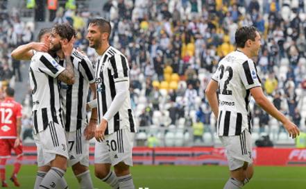 Juventus beat Sampdoria 2-0 to