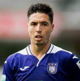Nasri announces her retirement from football at 34